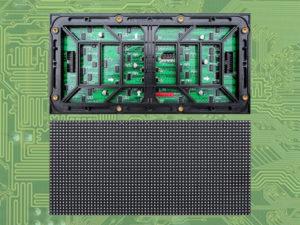 modulo pantalla led exterior visto por la parte trasera y delantera